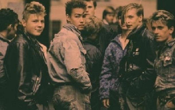А какими ты помнишь 1990-е?