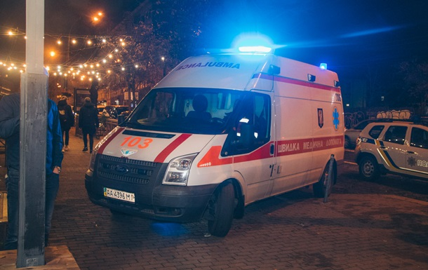 Біля бару в Києві сталася бійка зі стріляниною
