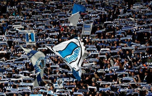 В Германии 45 человек пострадали во время беспорядков на футбольном матче