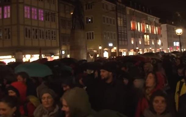 У Німеччині відбулися протести після групового зґвалтування дівчини