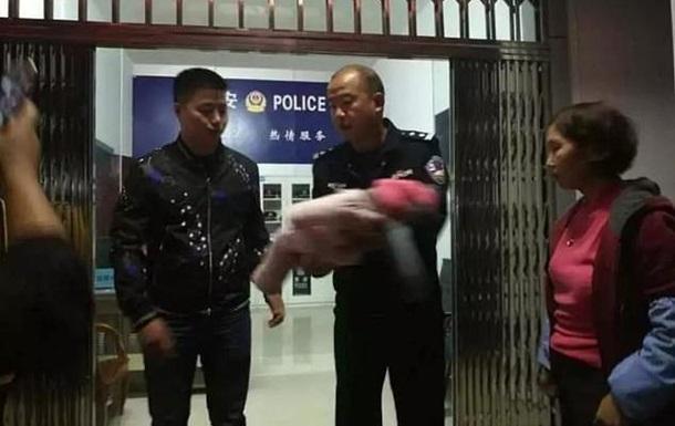 Мечтавший о сыне китаец продал новорожденную дочь