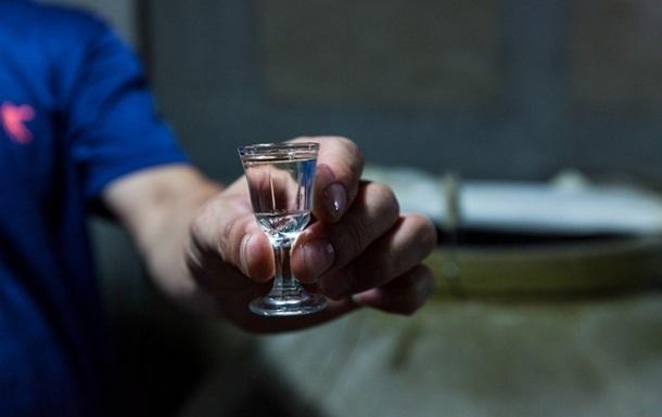 В Україні цьогоріч від отруєння алкоголем померли дев ять осіб із десяти