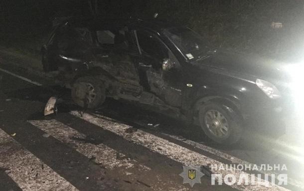 У Львівській області зіткнулися автомобіль і мікроавтобус