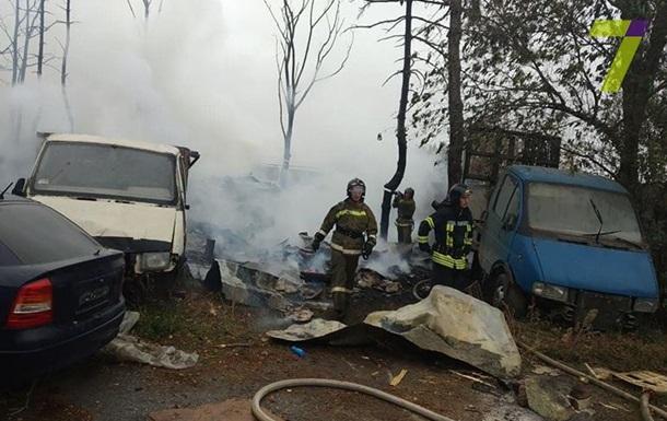 В Одессе масштабный пожар: горели свалка и автомобили