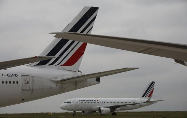 Два літаки зіткнулися в аеропорту Парижа
