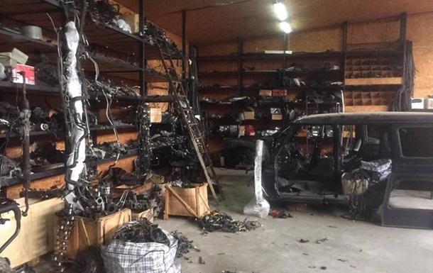 Під Києвом затримали викрадачів елітних автомобілів