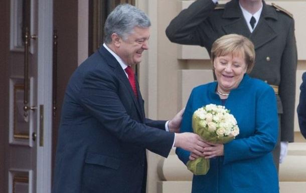 Меркель приехала в Киев на встречу с Порошенко