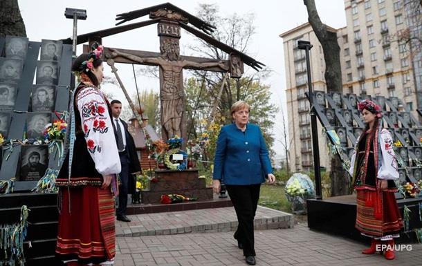 Підсумки 01.11: Приїзд Меркель і санкції Росії