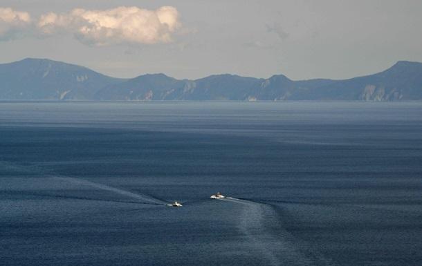 Біля японських берегів безслідно зник острів