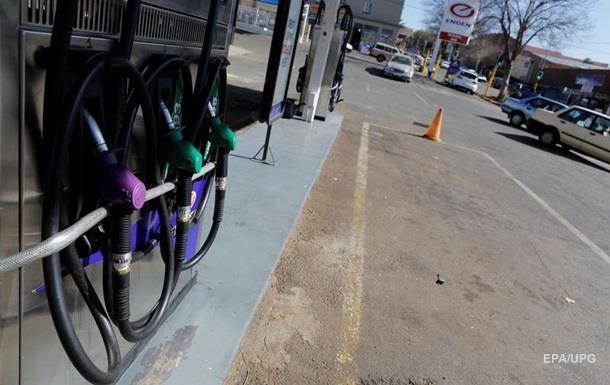 На АЗС подешевели бензин и дизтопливо