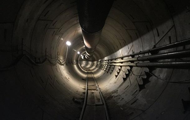 Маск показав підземний тунель під Лос-Анджелесом