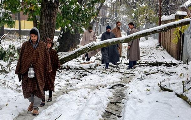Індію вперше за десять років засипає снігом