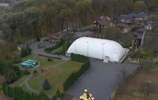 У главы УПЦ МП Онуфрия обнаружили особняк с вертолетной площадкой