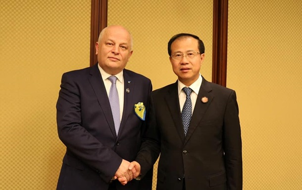 Обсяг торгівлі між Україною і Китаєм зріс до $5,8 млрд - Кубів