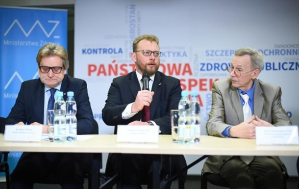 У Польщі мають намір заборонити в їзд невакцинованим іноземцям