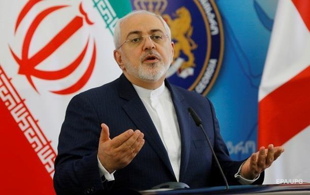 Затонуле судно і банк, що луснув: в Ірані розповіли, хто потрапив під санкції