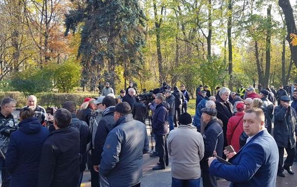 В Киеве возложили цветы к могиле Неизвестного солдата