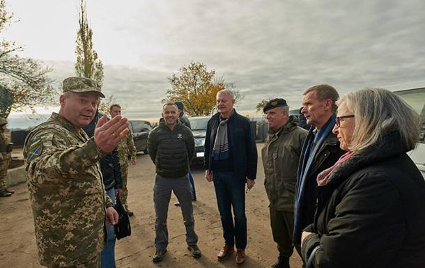 Посол Австрии приехала на Донбасс