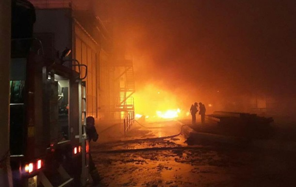 Под Одессой загорелся маслоперерабатывающий завод