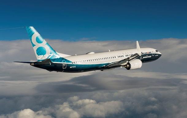 ЗМІ дізналися про небезпеку зриву нових Boeing 737 в круте піке