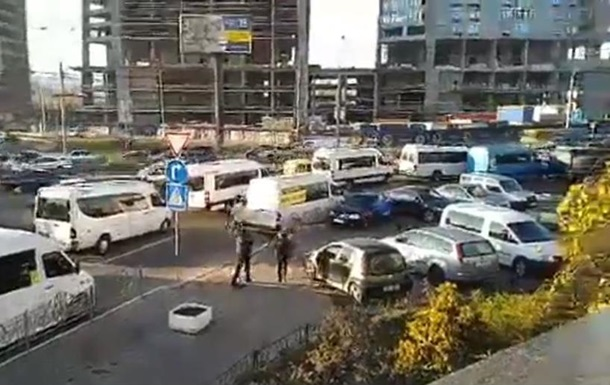 Маршрутчики митингуют под Мининфраструктуры
