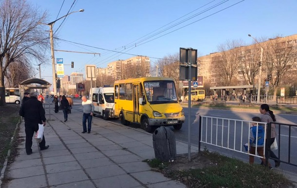 У Львові в маршрутці померла жінка