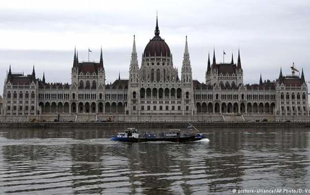 У ЄС обурені припиненням розслідування щодо зятя Орбана в Угорщині