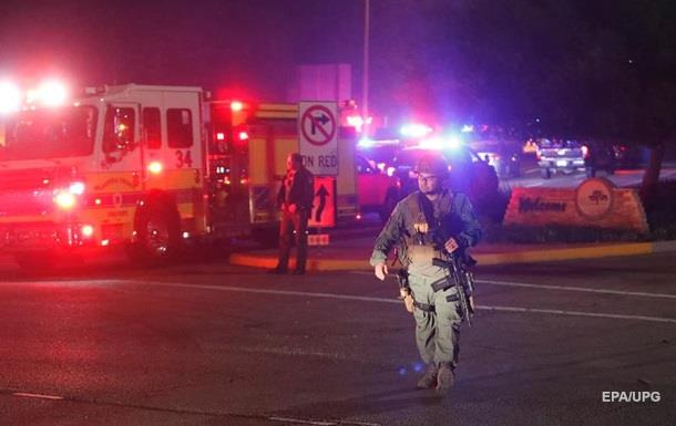 Під час стрілянини в каліфорнійському барі загинули 12 осіб