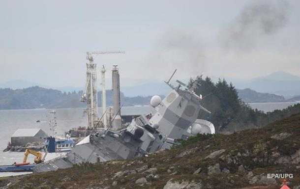 В Норвегии после столкновения танкера и фрегата остановились предприятия