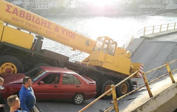 ВГреции обвалился  автомобильный мост