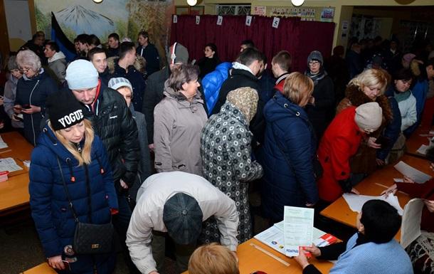 Республіки  рапортують про 40%-ву явку на  вибори  на початку дня - ЗМІ