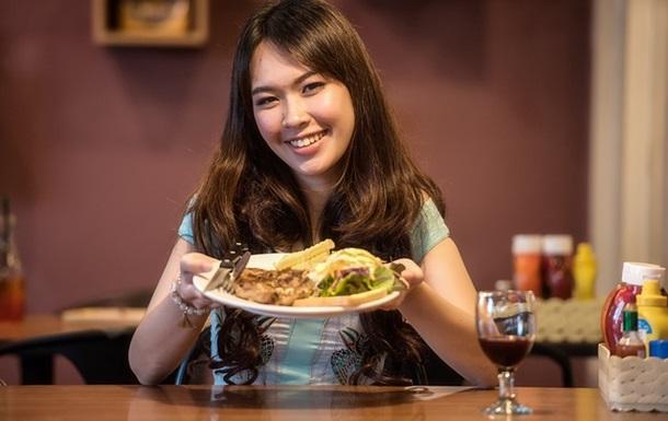 Пізні прийоми їжі небезпечні для здоров я - вчені