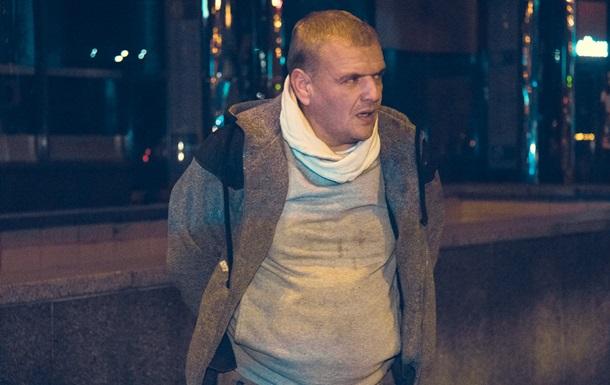В Киеве таксист зажал в окне руку копа и протащил его несколько метров