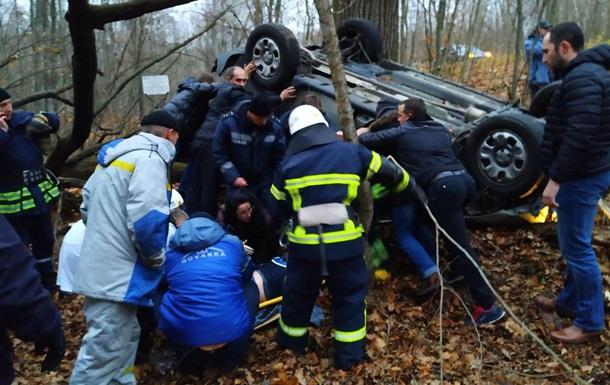 В Чернобыльской зоне перевернулся автомобиль: пострадали четверо