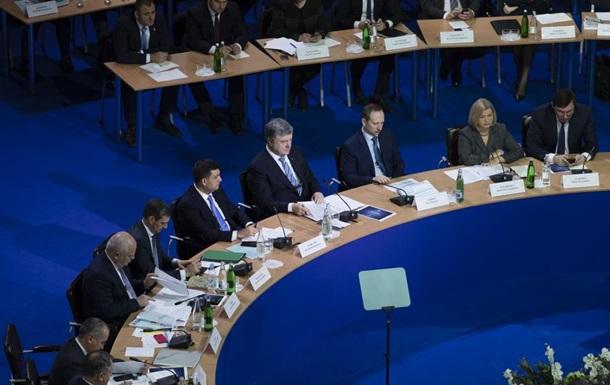 Україна незабаром відмовиться від кредитів - Порошенко