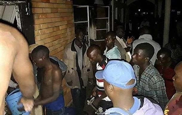 В Уганде подростки подожгли школу: 11 жертв