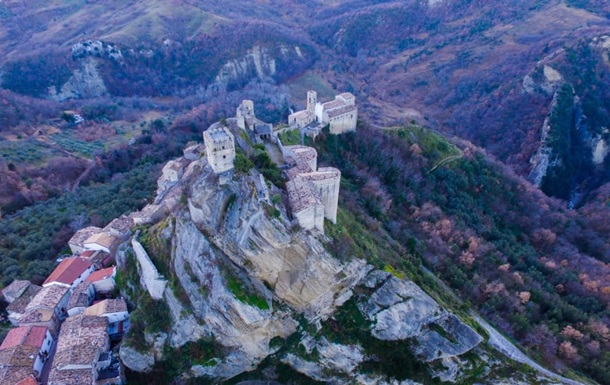В Италии сдают в аренду замок за $100