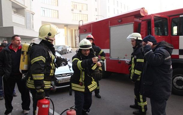 Пожежу в київській висотці ліквідували