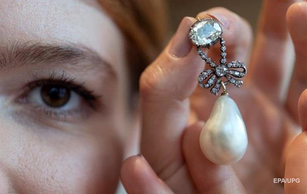 Драгоценности последней королевы Франции проданы за рекордную сумму