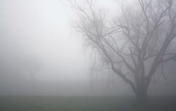 Украинцев предупредили о тумане и гололедице