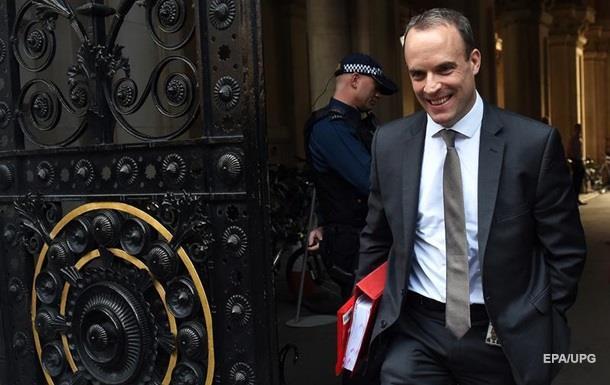 У Британії пішли у відставку два міністри через план щодо Brexit