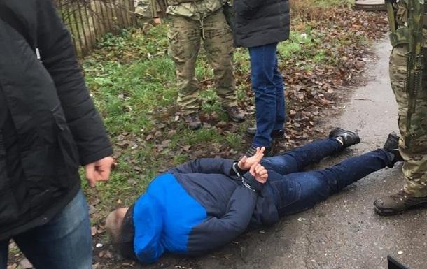 В Житомире задержали десантников на продаже взрывчатки