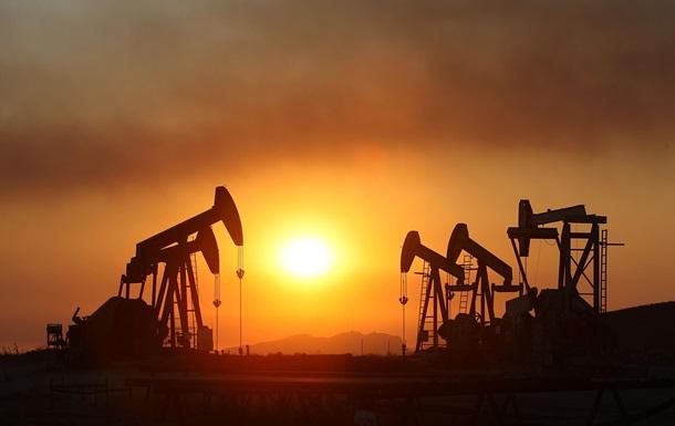 Почему цены на нефть обвалились на четверть