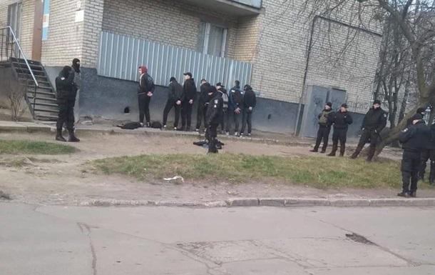 Во Львове мужчины с битами разгромили зал игровых автоматов