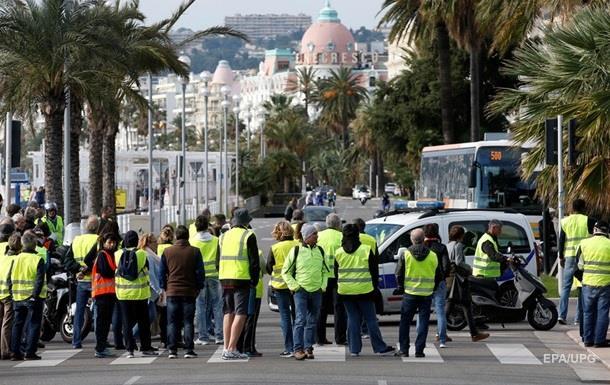 Масштабный протест во Франции: пострадали около 50 человек