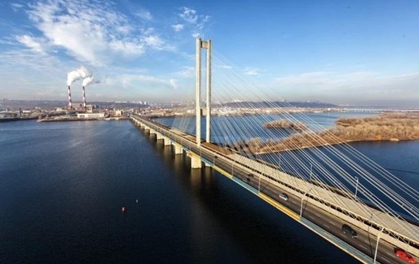 Влада Києва заявила про завантаження мостів на 140%