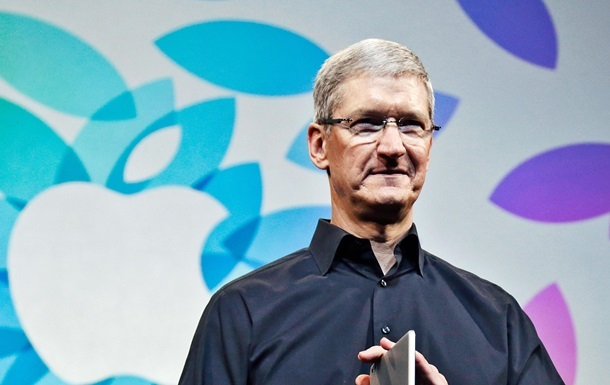 Глава Apple устал от iPhone