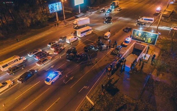 В Днепре столкнулись десять автомобилей