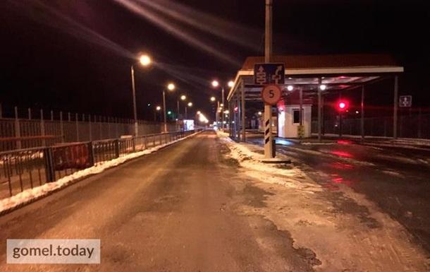 Евробляхеры  заблокировали погранпереход в Беларусь