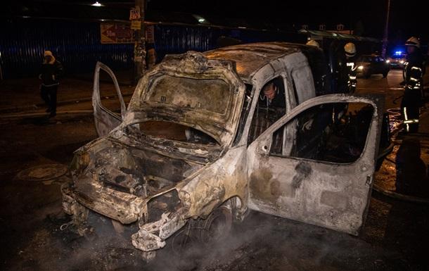 В Киеве на ходу загорелась автокофейня